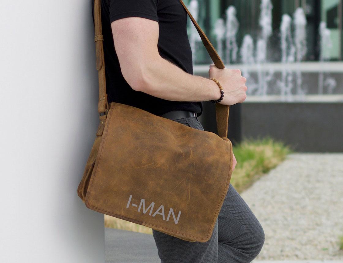 Мужская сумка через плечо как носить